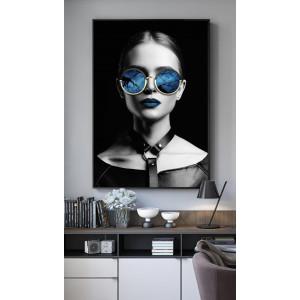 Картина Девушка в очках №609